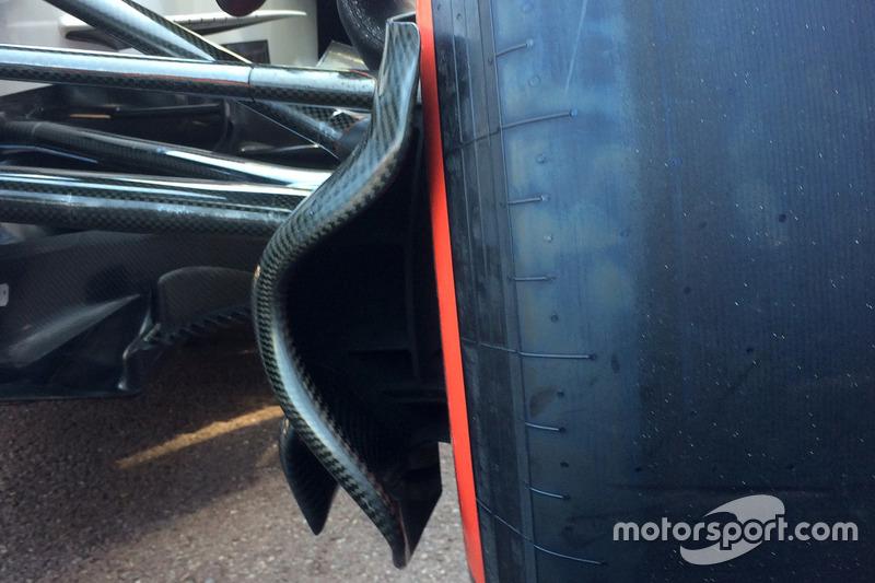 Suspensión delantera del Alfa Romeo Sauber C37