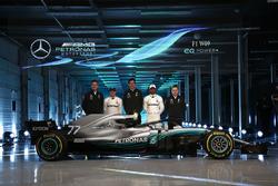 Valtteri Bottas, Mercedes AMG F1, Lewis Hamilton, Mercedes AMG F1, Toto Wolff, director ejecutivo Mercedes AMG F1, James Allison, Mercedes AMG F1 Director técnico