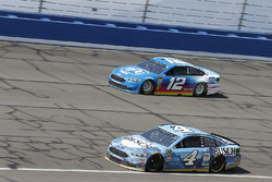 Kevin Harvick, Stewart-Haas Racing, Ford Fusion Busch Beer, Ryan Blaney, Team Penske, Ford Fusion PPG