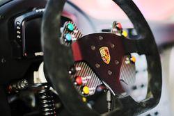 Porsche 911 GT3 Cup, dettaglio del volante