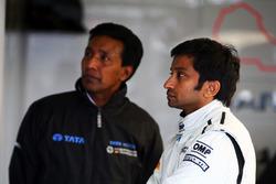 Narain Karthikeyan, HRT F1 Team et Balbir Singh, HRT F1 Team, préparateur physique