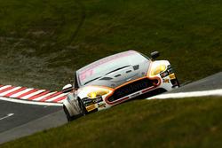 #61 Academy Motorsport Aston Martin V8 Vantage GT4: Tom Wood, Jan Jonck