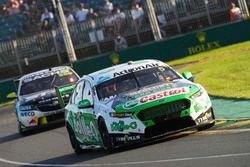 Mark Winterbottom, Tickford Racing Ford, leads Craig Lowndes, Triple Eight Race Engineering Holden