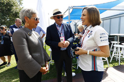 L'Honorable Linda Dessau AC, gouverneur de Victoria, rencontre Claire Williams, directrice adjointe Williams Martini Racing