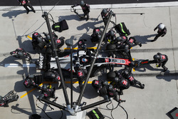 Romain Grosjean, Haas F1 Team VF-18 en pitstop