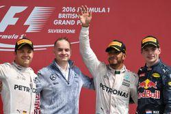 Podium: second place Nico Rosberg, Mercedes AMG F1, John Owen, Mercedes AMG F1 Chief Designer, Lewis Hamilton, Mercedes AMG F1, Max Verstappen, Red Bull Racing