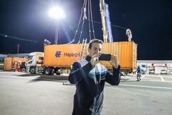 Container arriveert op Motegi met Nestor Girolami, Polestar Cyan Racing, Volvo S60 Polestar TC1