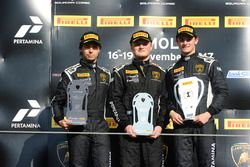 Podio NA-Pro-AM: ganador Austin Versteeg, Change Racing, segundo Edoardo Piscopo, Taylor Proto, US R