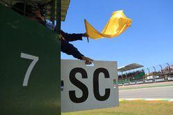 Marshal met de gele vlag