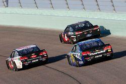 Майкл Макдауэлл, Leavine Family Racing Chevrolet, Тревор Бейн, Roush Fenway Racing Ford и Остин Дилл