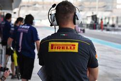 Инженер Pirelli