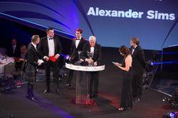 Даниэль Тиктум получает награду McLaren Autosport Young Driver of the Year