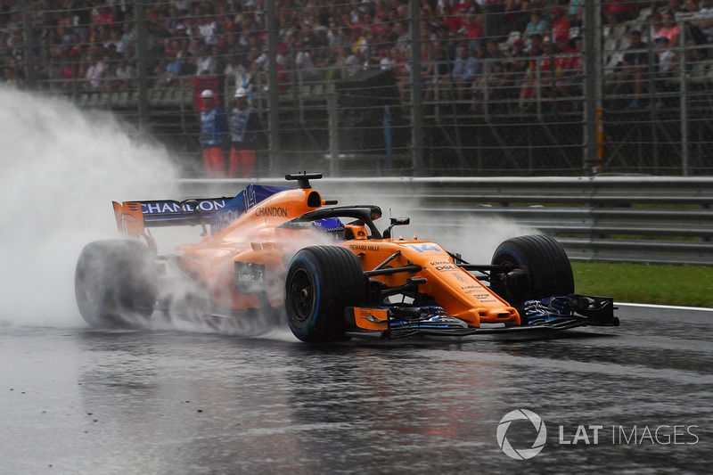Alonso, roketin dahi McLaren'i ıslak zemindeki sıralamalarda üçüncü bölüme taşıyamayacağını söylüyor
