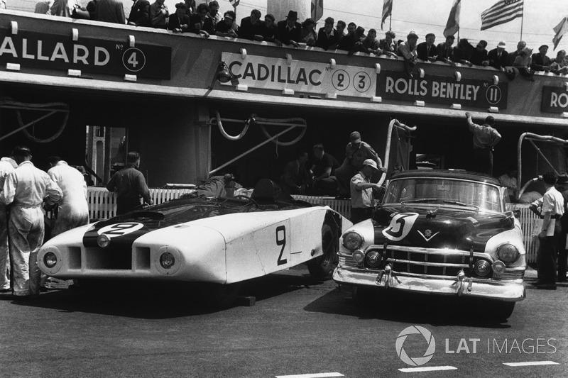 "1950 Cadillac Spider ""Le Monstre"" dan Cadillac Coupe de Ville"