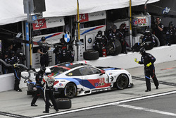 #25 BMW Team RLL BMW M8, GTLM: Bill Auberlen, Alexander Sims, Philipp Eng, Connor de Phillippi pit s