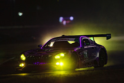 #71 P1 Motorsports Mercedes AMG GT3, GTD: Kenton Koch, Robert Foley III, Juan Perez, Loris Spinelli, pioggia