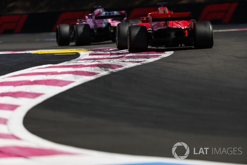Sergio Perez, Force India VJM11, Sebastian Vettel, Ferrari SF71H