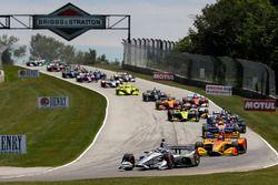 Start zum Kohler Grand Prix in Elkhart Lake 2018: Josef Newgarden, Team Penske Chevrolet, führt