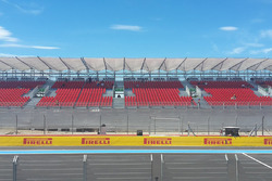 Empty grandstands before FP1 due to traffic problems outside the circuit