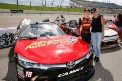Riley Herbst, Joe Gibbs Racing, Toyota Camry Advance Auto Parts with his mom