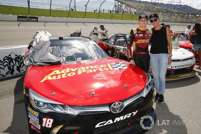 Riley Herbst, Joe Gibbs Racing, Toyota Camry Advance Auto