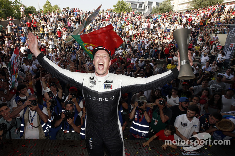 Podium: Race winner Thed Björk, YMR Hyundai i30 N TCR