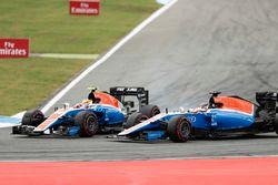 Rio Haryanto, Manor MRT05, battles with teammate Pascal Wehrlein, Manor MRT 05