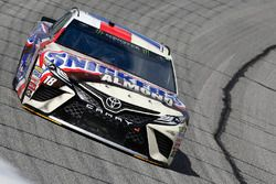 Kyle Busch, Joe Gibbs Racing, Snickers Almond Toyota Camry