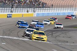 Joey Logano, Team Penske, Ford Fusion Pennzoil, Kevin Harvick, Stewart-Haas Racing, Ford Fusion Jimm