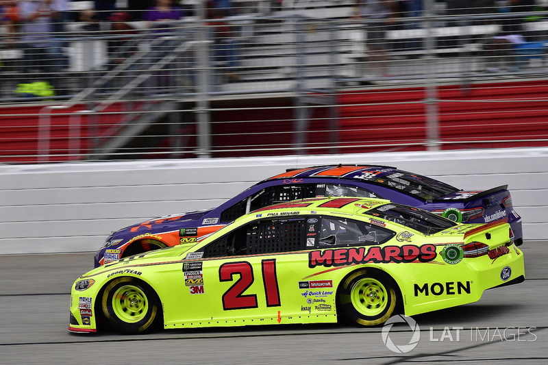 Paul Menard, Wood Brothers Racing, Menards / Moen Ford Fusion and Denny Hamlin, Joe Gibbs Racing, FedEx Ground Toyota Camry