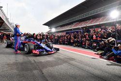 Pierre Gasly, Scuderia Toro Rosso STR13 and Brendon Hartley, Scuderia Toro Rosso STR13, the new Scud