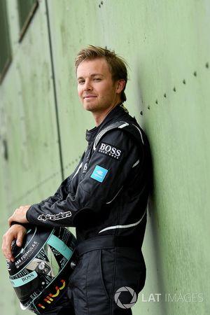 Nico Rosberg drives the FIA Formula E Gen 2 car