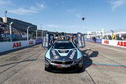 BMW i8 Qualcomm Safety Car