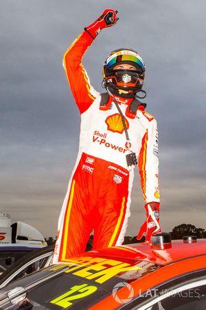 Yarış galibi Fabian Coulthard, DJR Team Penske Ford