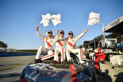 Winnaars Kelvin van der Linde, Pierre Kaffer, Markus Winkelhock, Team Magnus