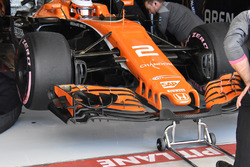 McLaren MCL32 nose and front wing