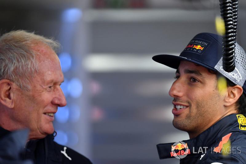 Dr Helmut Marko, Red Bull Motorsporları Danışmanı ve Daniel Ricciardo, Red Bull Racing