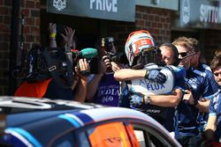 Ganador de carrera Ash Sutton, Team BMR Subaru Levorg