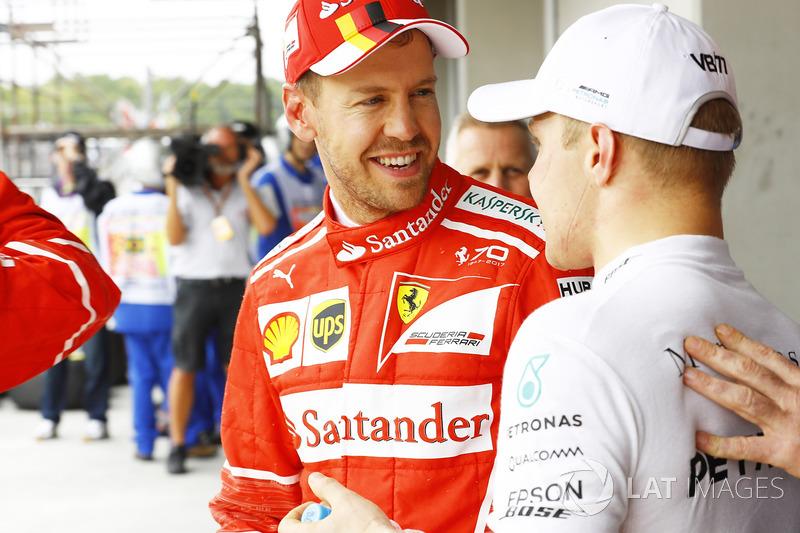 Sebastian Vettel, Ferrari, Valtteri Bottas, Mercedes AMG F1, dopo la qualifica