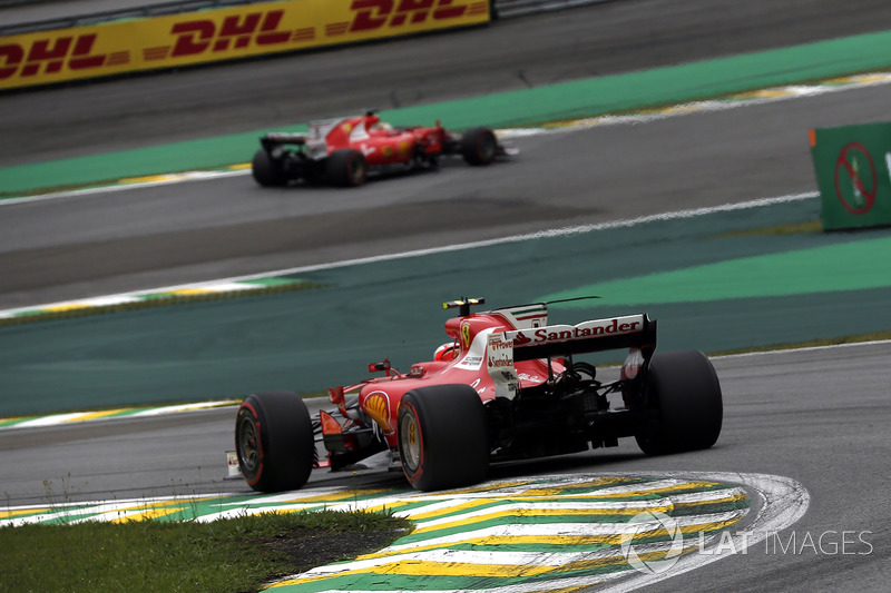 Kimi Raikkonen, Ferrari SF70H e Sebastian Vettel, Ferrari SF70H