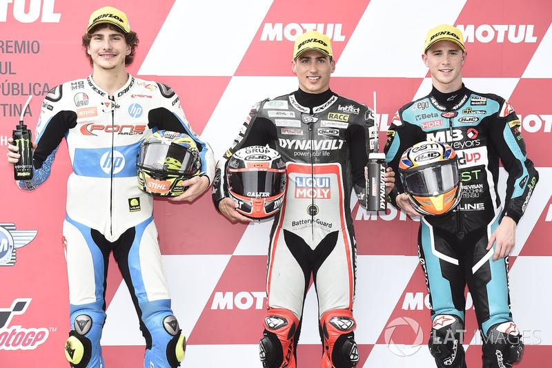 Los tres primeros clasificados: Lorenzo Baldassarri, Pons HP 40, el ganador de la pole Xavi Vierge, Dynavolt Intact GP, Danny Kent, Speed Up Racing