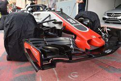 Haas F1 Team VF-18 detalle del ala frontal