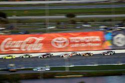 Paul Menard, Wood Brothers Racing, Ford Fusion Menards / Moen and Kyle Busch, Joe Gibbs Racing, Toyota Camry Interstate Batteries