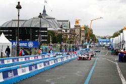 Nick Heidfeld, Mahindra Racing, Lucas di Grassi, Audi Sport ABT Schaeffler, Daniel Abt, Audi Sport ABT Schaeffler, in pit lane