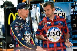 Kevin Harvick, Stewart-Haas Racing, Ford Fusion Busch Beer Flannel and Rodney Childers