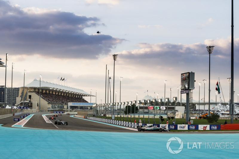 Valtteri Bottas, Mercedes AMG F1 W08, Lewis Hamilton, Mercedes AMG F1 W08, Sebastian Vettel, Ferrari