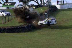 #55 Ginetta G55 GT4: Rio Nugara in a huge crash