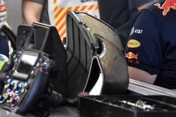 Daniel Ricciardo, Red Bull Racing RB14's engine intake plenum