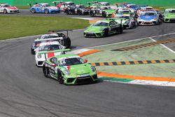 Ronnie Valori, Dinamic Motorsport, in tesa al gruppo