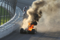 Feuer: Matheus Leist, A.J. Foyt Enterprises Chevrolet